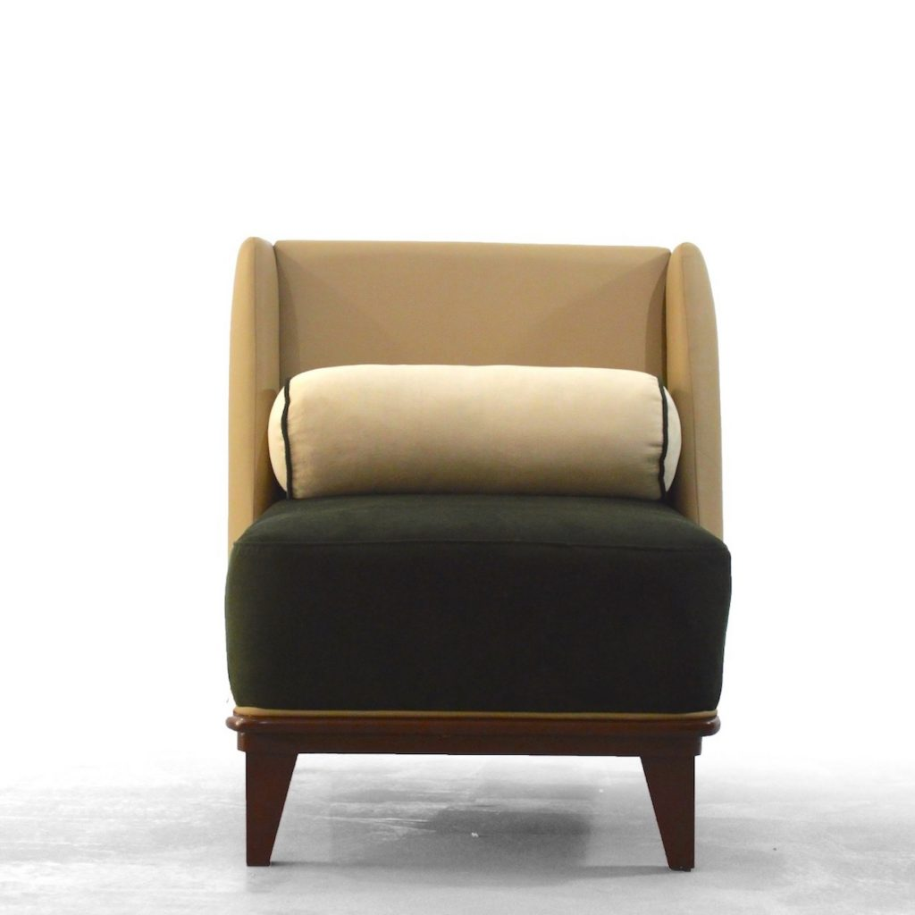EZE Lounge Chair